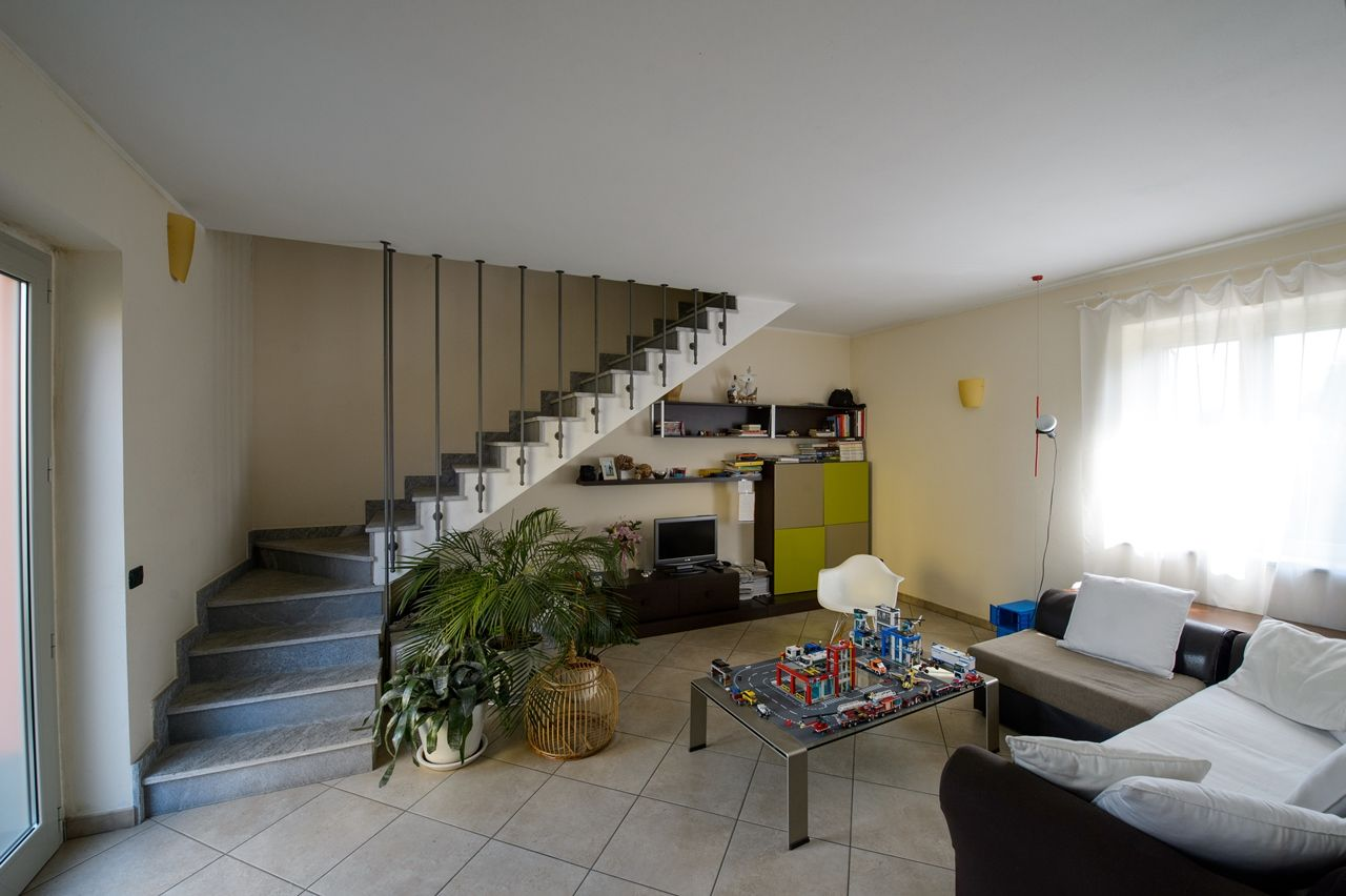 Case A Due Piani house in agrate conturbia 2 bedroom with garden and garage