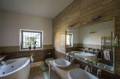 bagno padronale - villa - piano primo