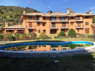 piscina Nebbiuno