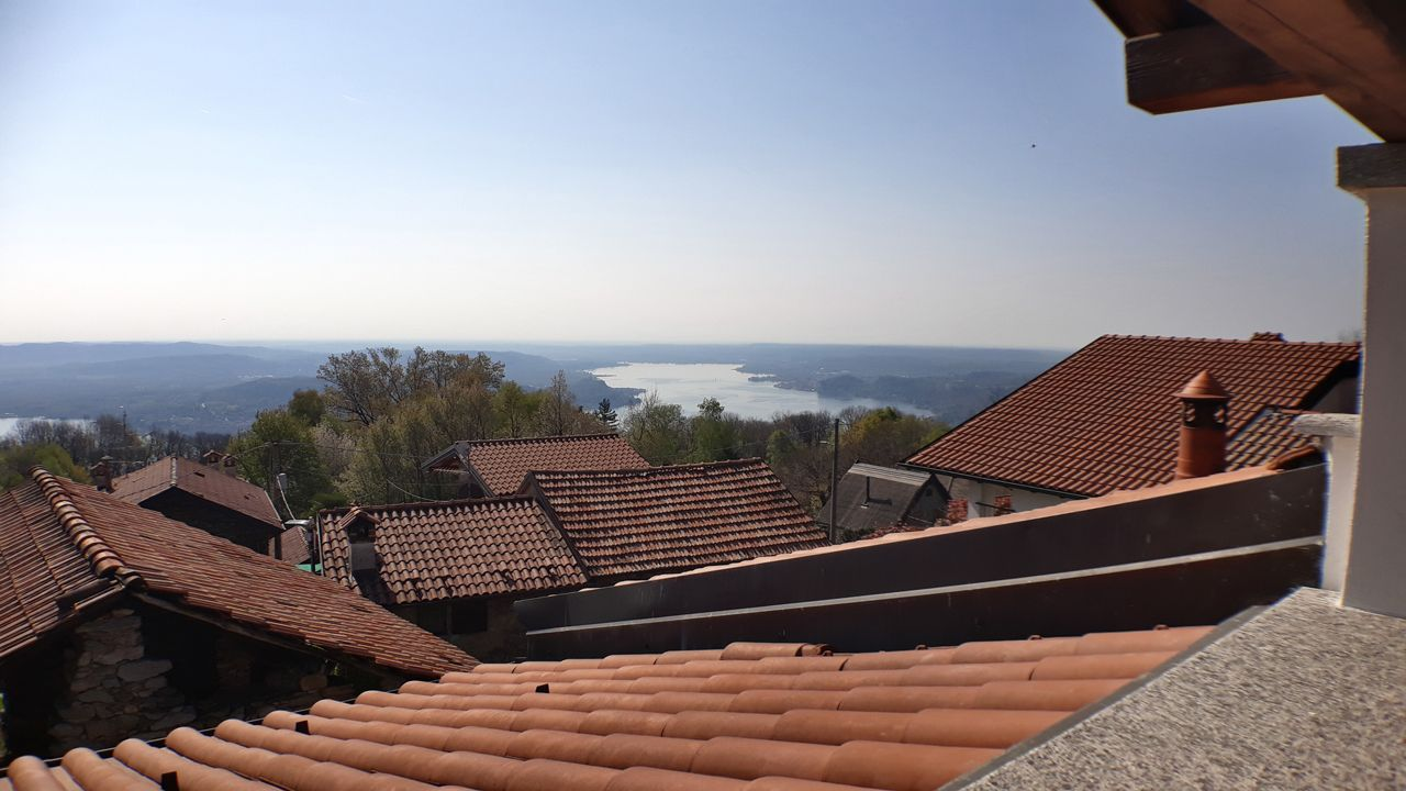 Alto vergante rustico vista lago con giardino case e for Case e giardini