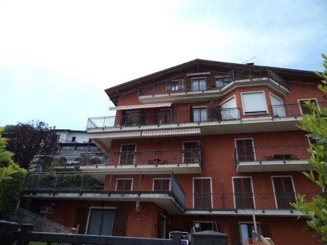 Alture stresa appartamento vista lago con garage e for Garage prefabbricato con costo dell appartamento