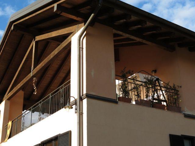 Arizzano appartamento vista lago con garage e terrazzo aa1626 for Appartamento sul garage