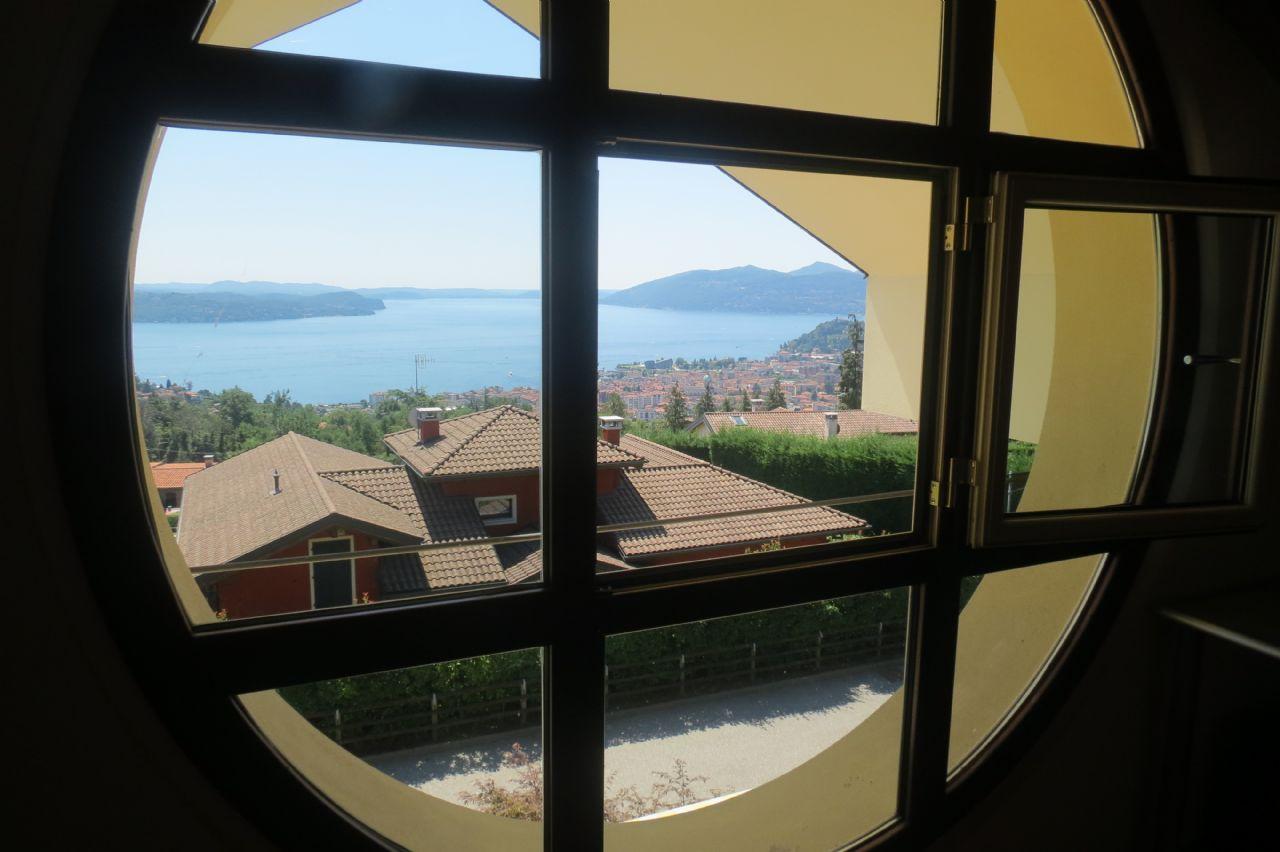 finestra piano sottotetto Arizzano