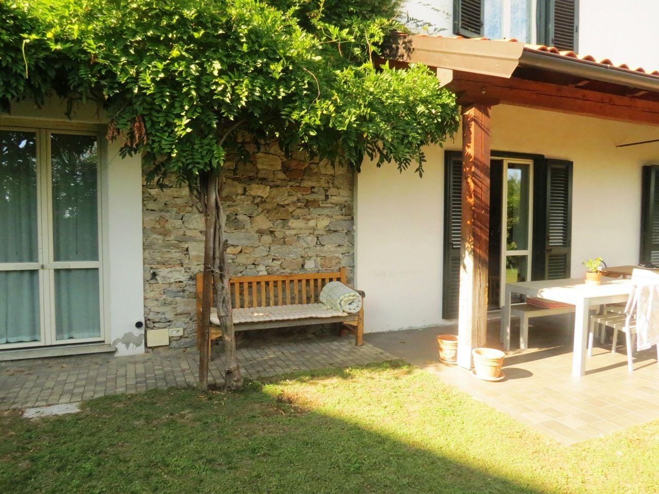 foto esterna casa Arizzano