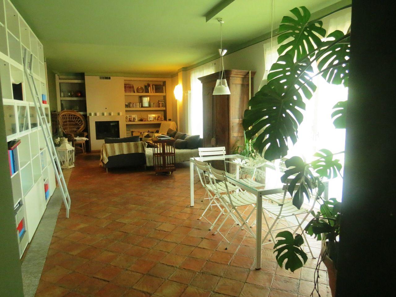 soggiorno pranzo Arizzano