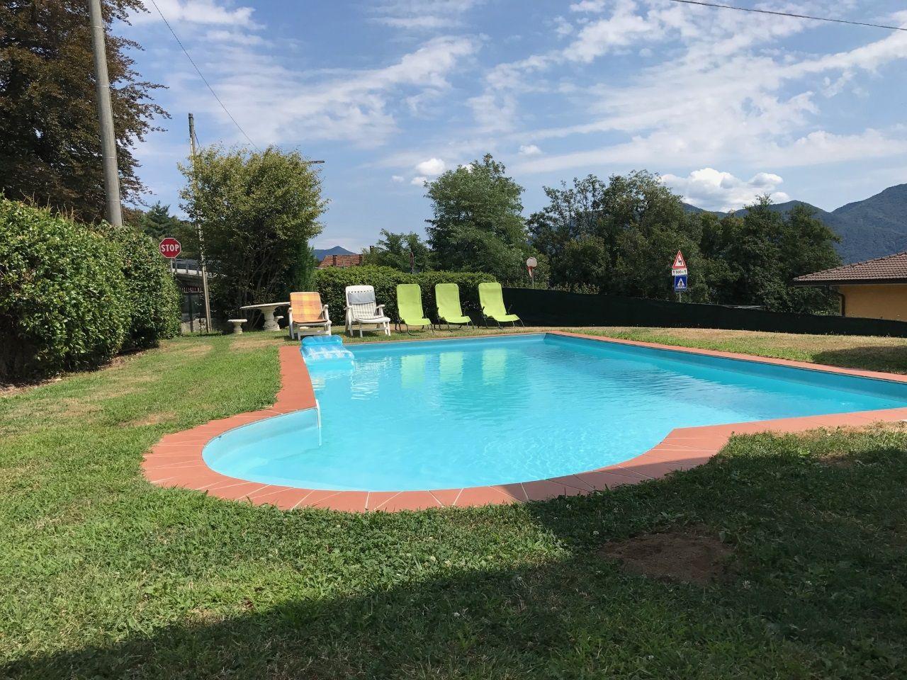 Arizzano casa indipendente vista lago 3 camere con piscina - Piscina da balcone ...
