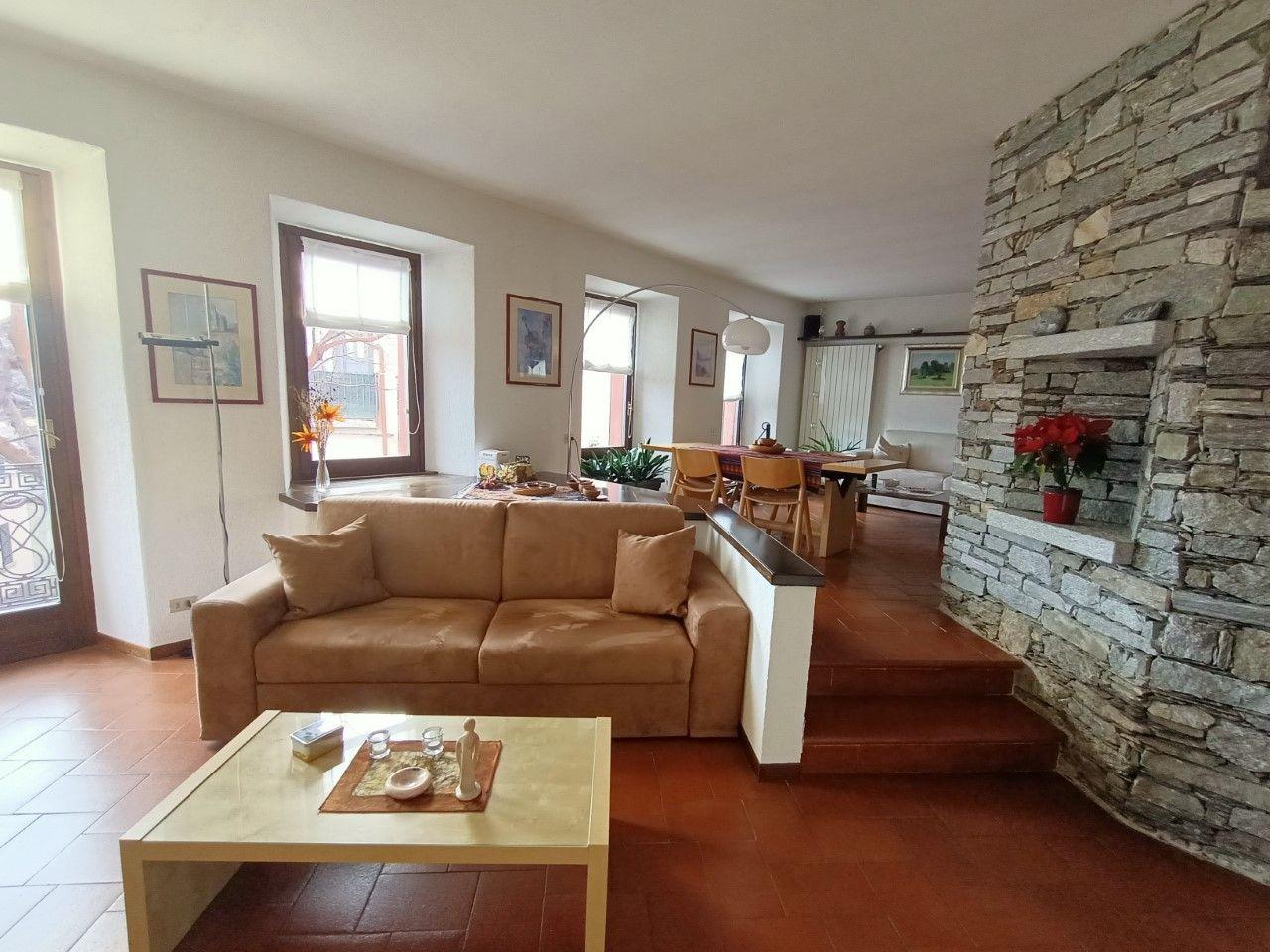soggiorno divani Arizzano