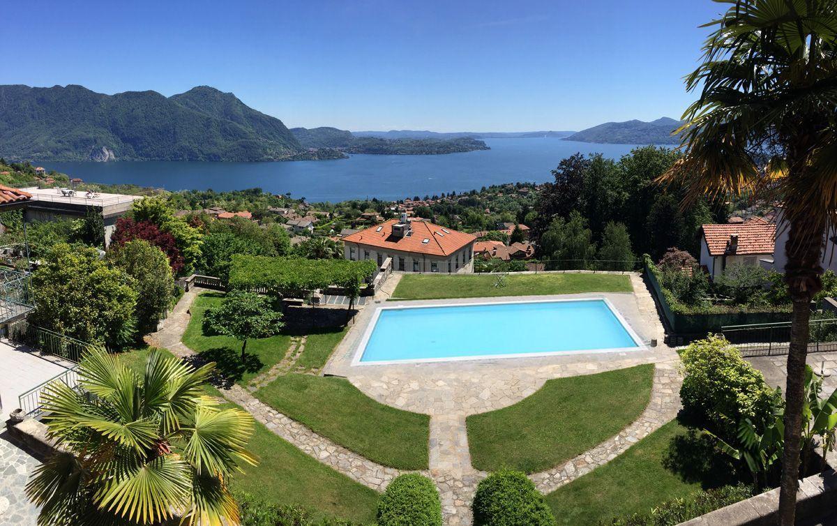 Arizzano villa vista lago 500mq con piscina e parco for Piani di casa con vista sull acqua