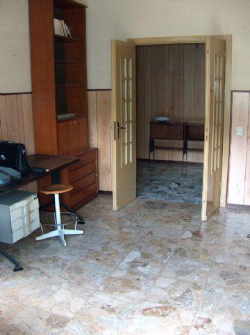 Baveno appartamento con garage e terrazzo aa2001 for Log garage con appartamento