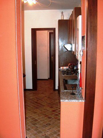 Baveno appartamento con garage e balcone aa2084 for Garage con appartamento in cima