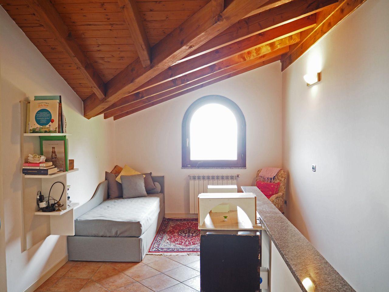 Baveno appartamento vista lago con garage e terrazzo aa1708 for Log garage con appartamento