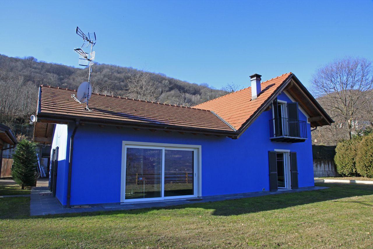 Baveno casa indipendente vista lago 4 camere con piscina e for Comprare garage indipendente