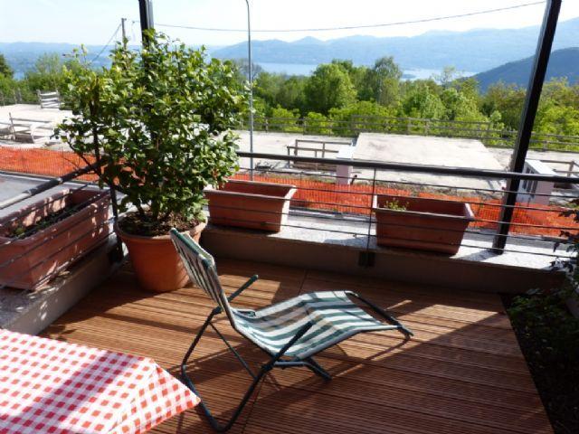B e casa vista lago 160mq 3 camere con giardino e garage for Piani casa 3 camere da letto e garage doppio
