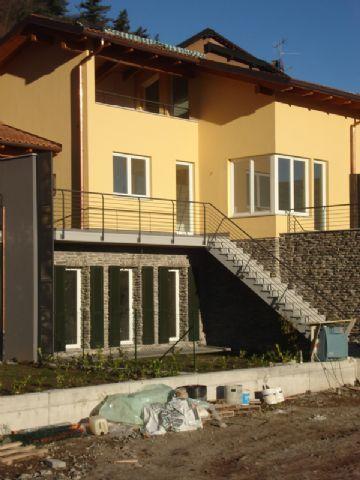 B e casa vista lago 2 camere con giardino nuova costruzione - Costo allacciamenti casa nuova costruzione ...