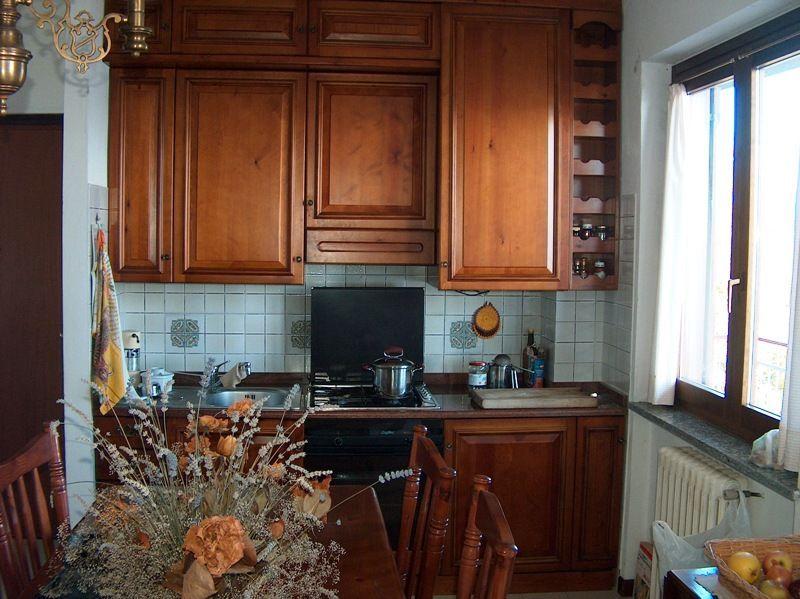 Belgirate appartamento vista lago con garage e terrazzo aa2334 for Log garage con appartamento