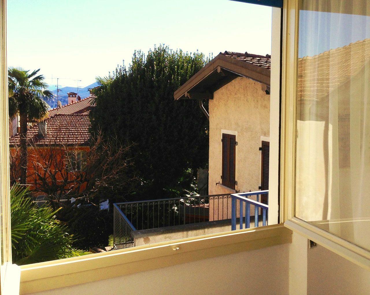 Cannero riviera casa indipendente vista lago 4 camere con for Lotti in piano casa fronte lago