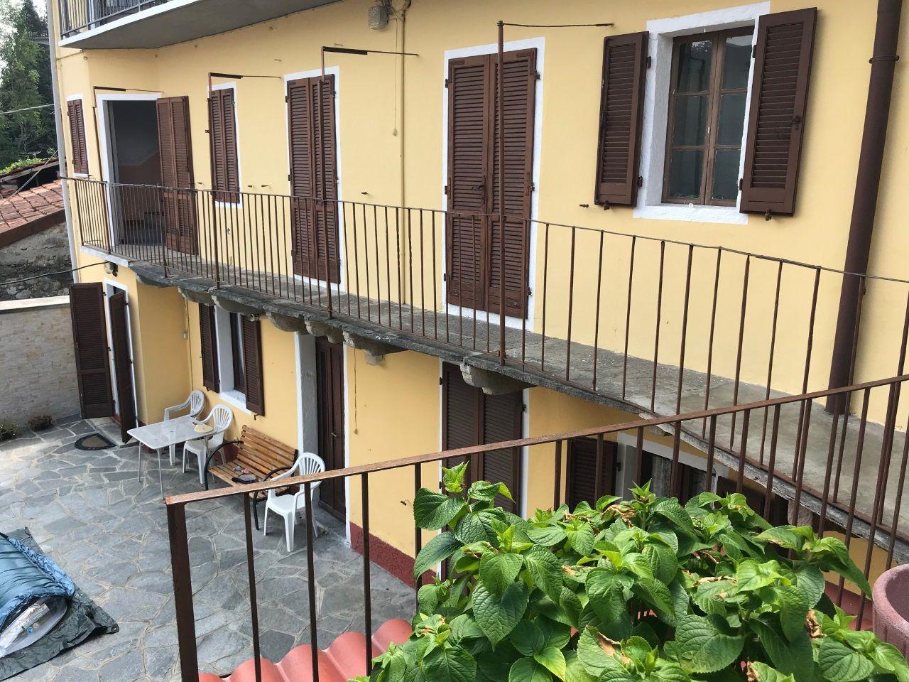 Casale Corte Cerro Casa Vista Lago 4 Camere Con Giardino E