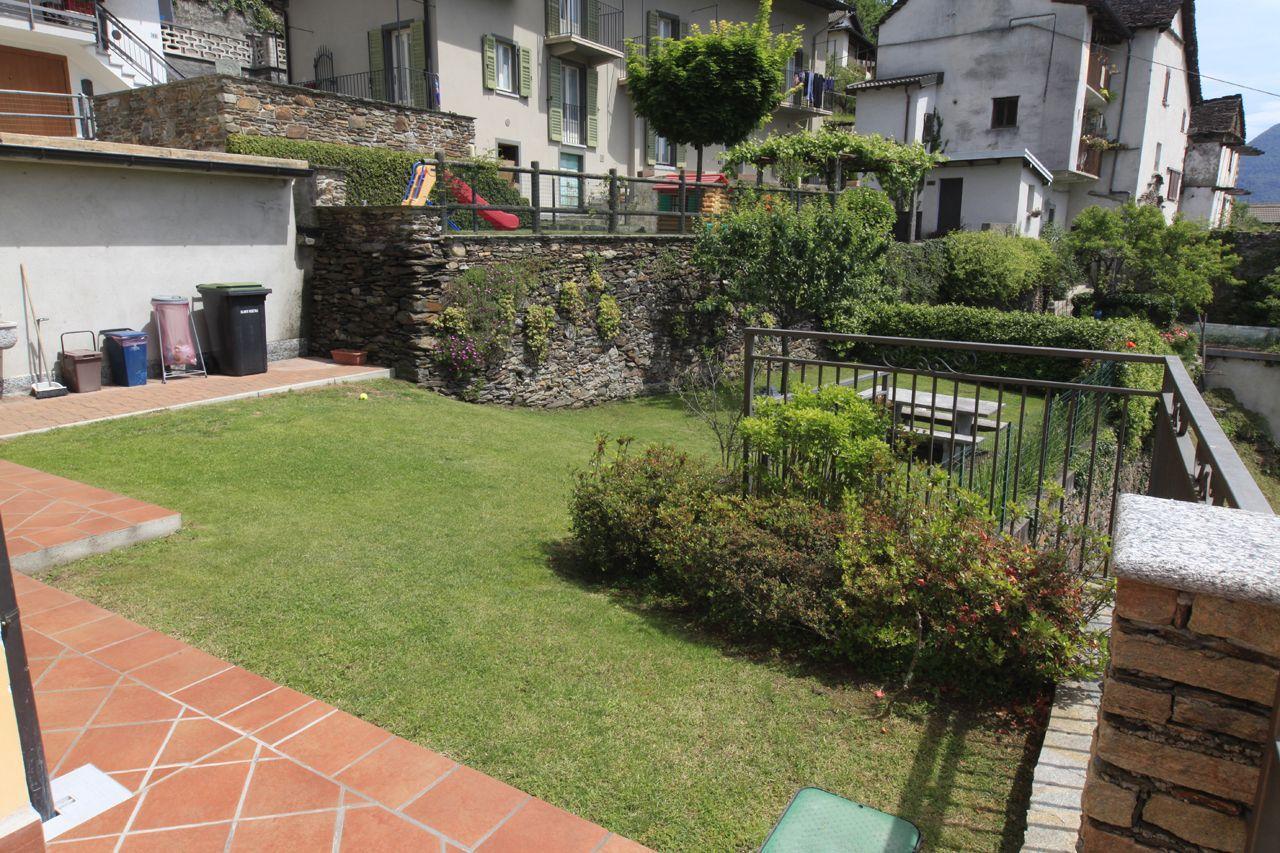 Cossogno casa indipendente 3 camere con giardino e garage - Garage da giardino ...