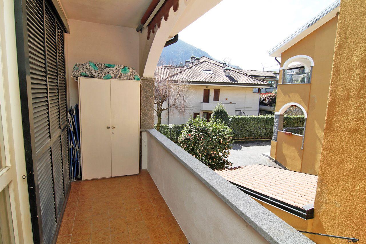Feriolo appartamento in centro con giardino aa2868 case for Case e giardini