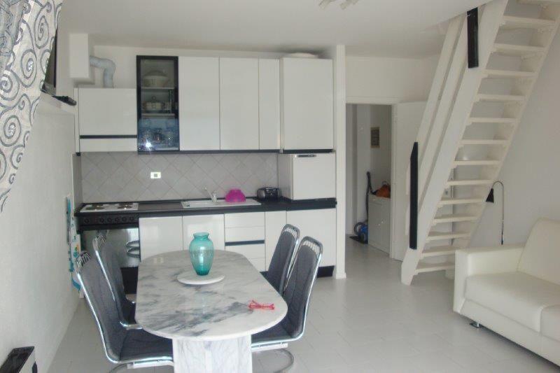 Ghiffa appartamento con garage e balcone aa2312 for Garage con appartamento in cima