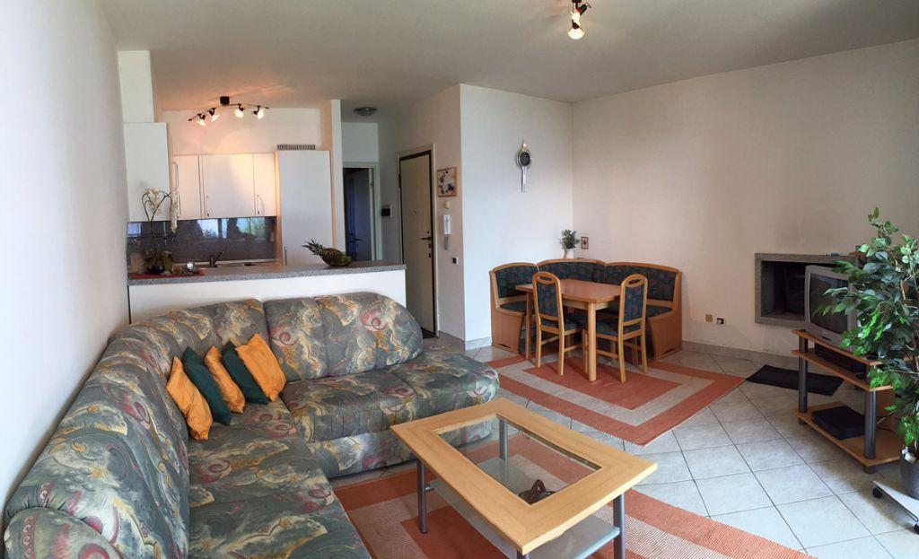 Ghiffa appartamento vista lago con garage e giardino aa2267 for Log garage con appartamento