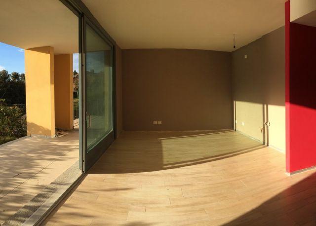 Ghiffa appartamento vista lago nuovo con garage aa837 for Log garage con appartamento
