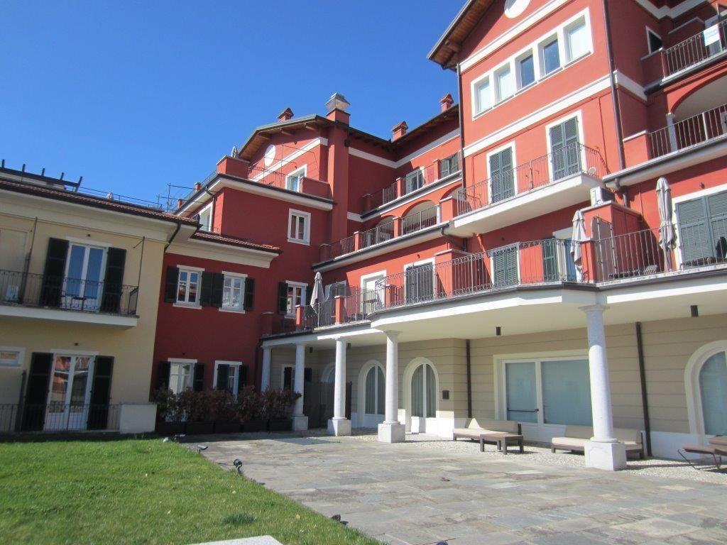 Ghiffa appartamento vista lago con garage e terrazzo aa2425 for Appartamento sul garage