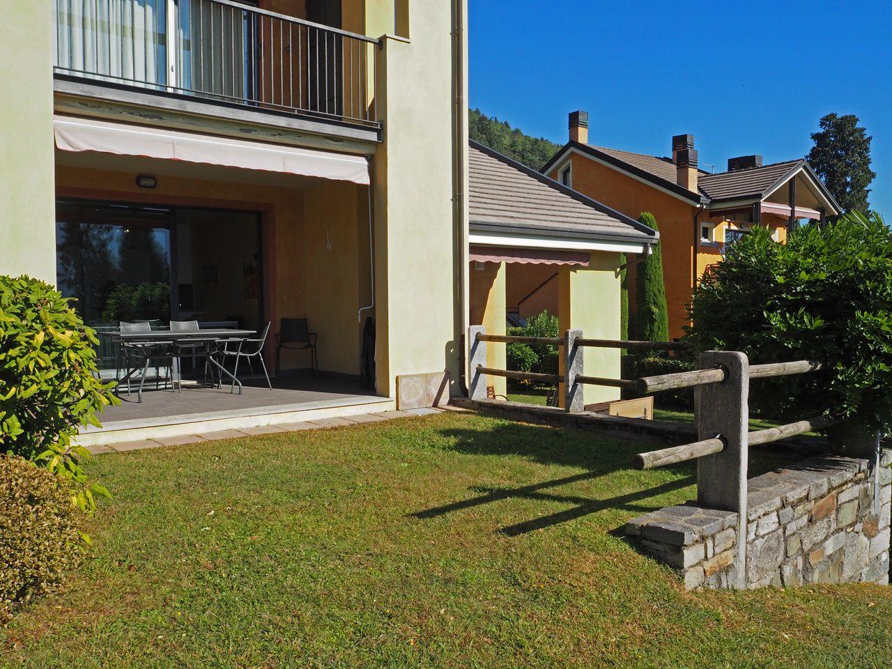 2 Zimmer Wohnung In Ghiffa Mit Seeblick Und Garage Aa2948