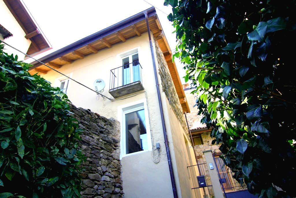 Einfamilienhaus In Ghiffa Mit Seeblick Garten Und Terrasse