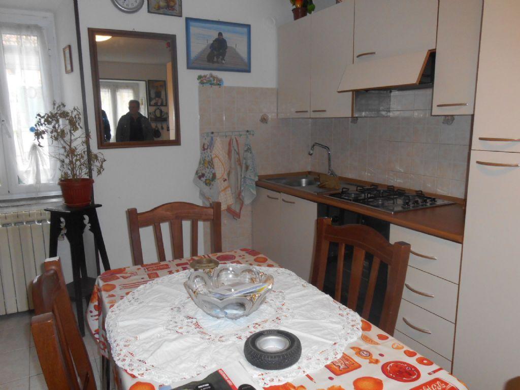 Gravellona toce appartamento con balcone aa2456 case e for Case e giardini