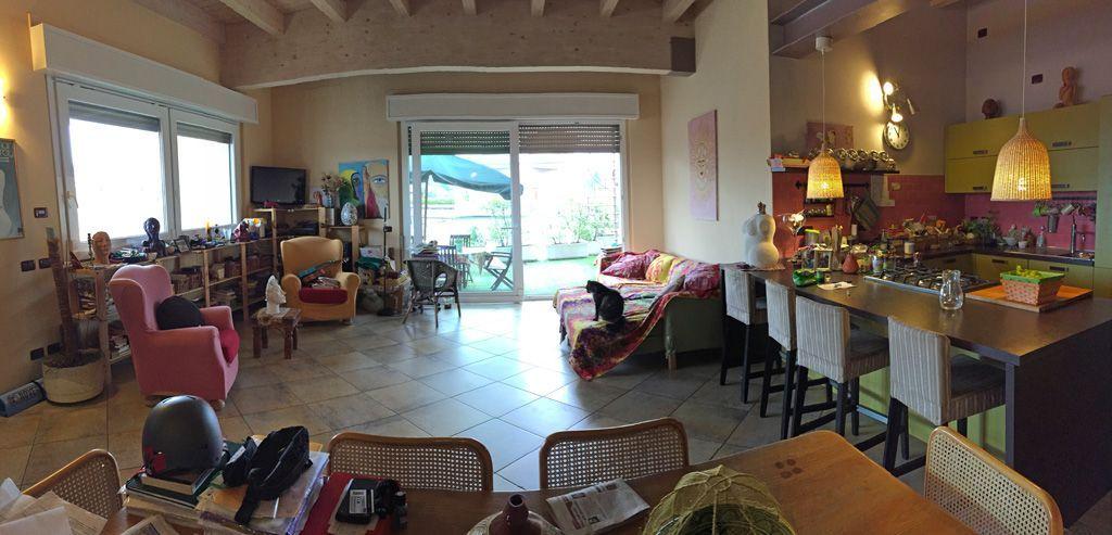 Verbania intra appartamento con garage e terrazzo aa2454 for Garage con appartamento in cima