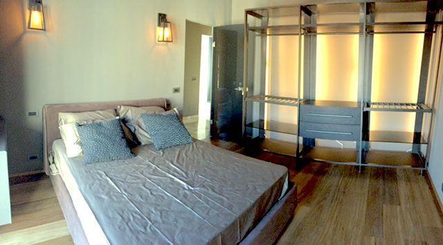 Verbania intra appartamento vista lago con garage aa2383 for Log garage con appartamento