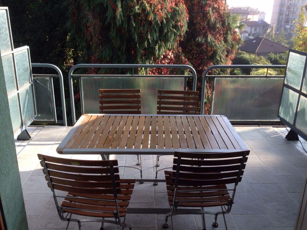 Verbania intra appartamento con garage e terrazzo aa2359 for Garage per auto singola con appartamento