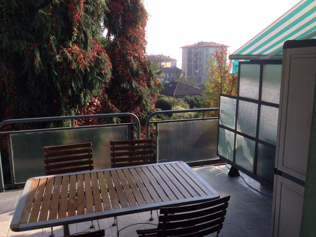 Verbania intra appartamento con garage e terrazzo aa2359 for Garage con appartamento in cima