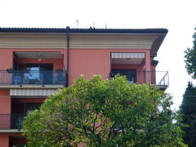 Verbania intra appartamento con garage e terrazzo aa2269 for Garage con appartamento in cima