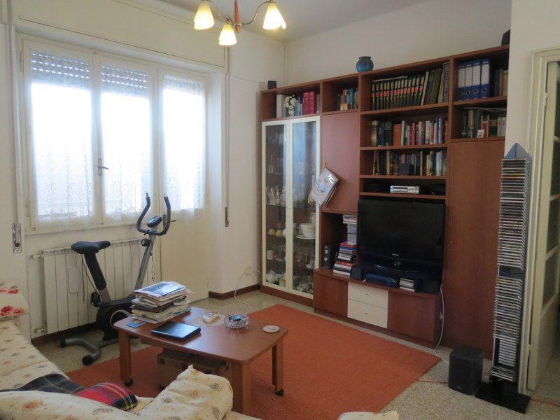 Verbania intra appartamento con garage e balcone aa2341 for Garage 30x40 con appartamento