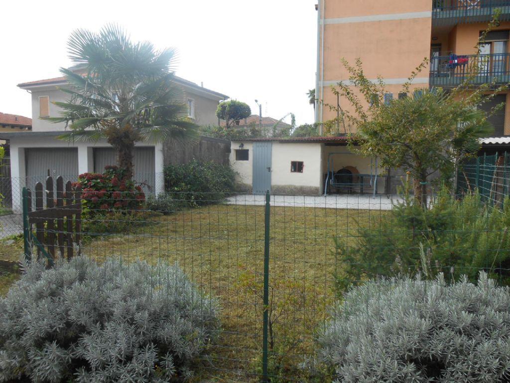 Verbania intra appartamento con garage e giardino aa2526 for Piccoli piani di casa con garage rv