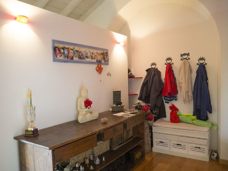 Three-room apartment in Verbania - entrance