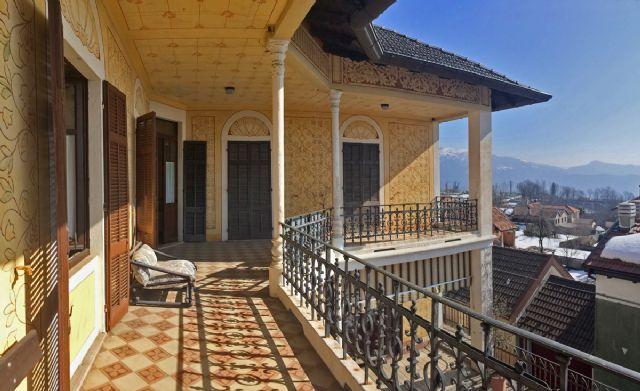 Lago d 39 orta villa 300mq con giardino case e giardini stresa for Case e giardini