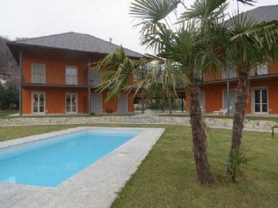 Lesa vendita case ville e appartamenti immobili stresa - Immagini di villette con giardino ...