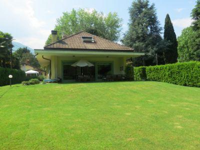 foto villa lesa