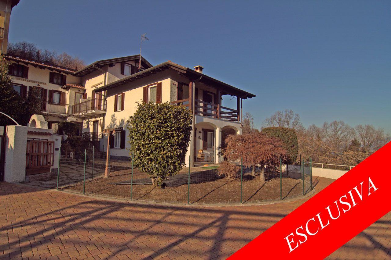 Meina casa indipendente vista lago 7 camere con giardino e for Garage con i prezzi degli appartamenti loft