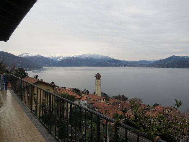 Oggebbio casa vista lago 3 camere con giardino e garage for Piani casa sul lago con portici