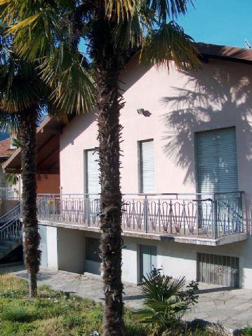 omegna casa 150mq, 2 camere con giardino e garage - case e ... - Soggiorno Lago Dorta 2
