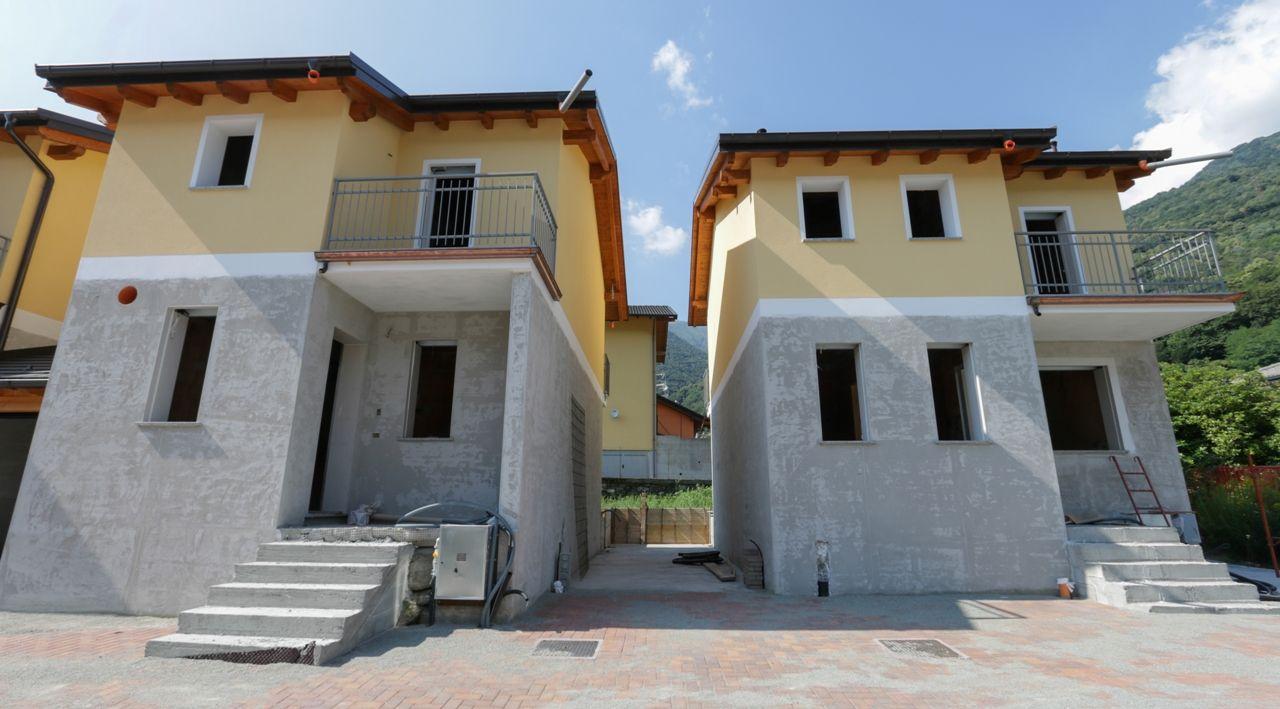Ornavasso casa 128mq 2 camere case e giardini stresa for Case e giardini
