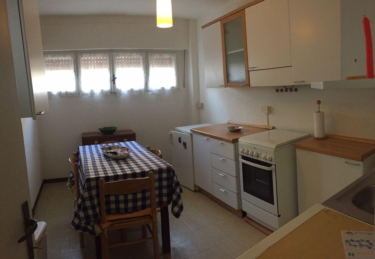 Verbania pallanza appartamento con garage aa2626 for Garage in metallo con appartamento