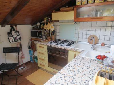 cucina appartamento villa d'epoca Verbania Pallanza