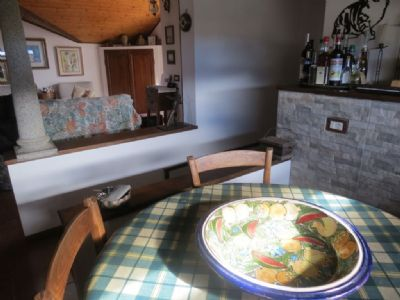 cucina appartamento in villa d'epoca Verbania Pallanza