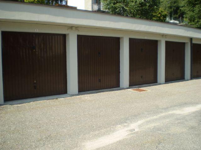 Premeno appartamento con garage e giardino aa1011 for Garage in metallo con appartamento