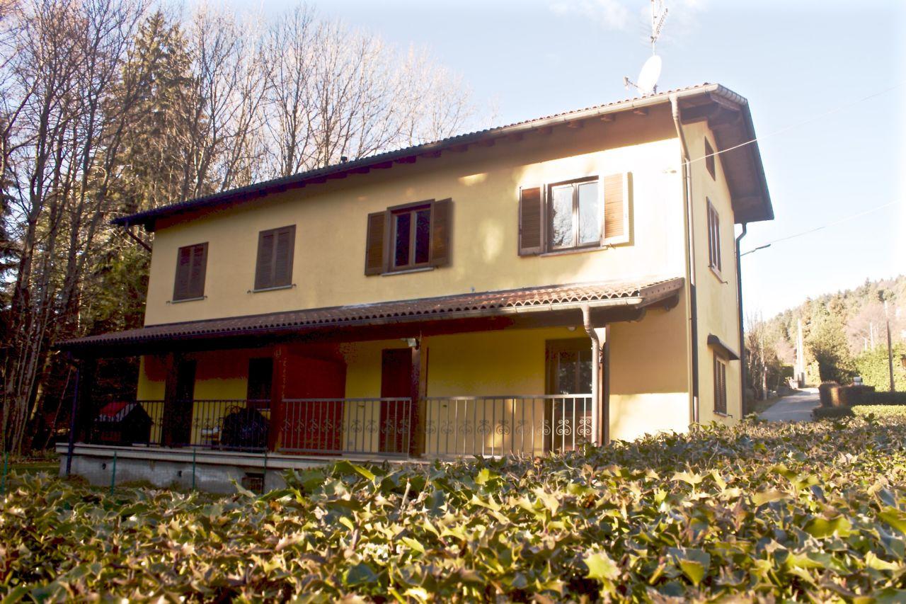 Premeno casa indipendente 4 camere con giardino e garage for Case in vendita rovigo e provincia